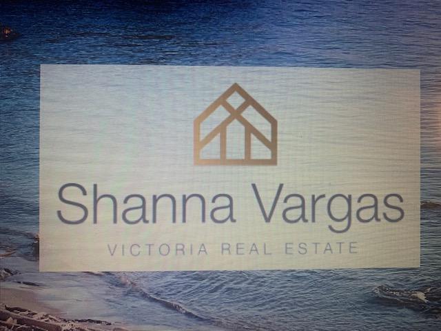 Realtor Shanna Vagas